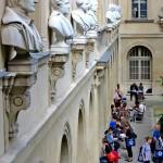Ort des Austauschs und der Entspannung: der Innenhof der Pariser ENS (photo © Christopher Dallywater)